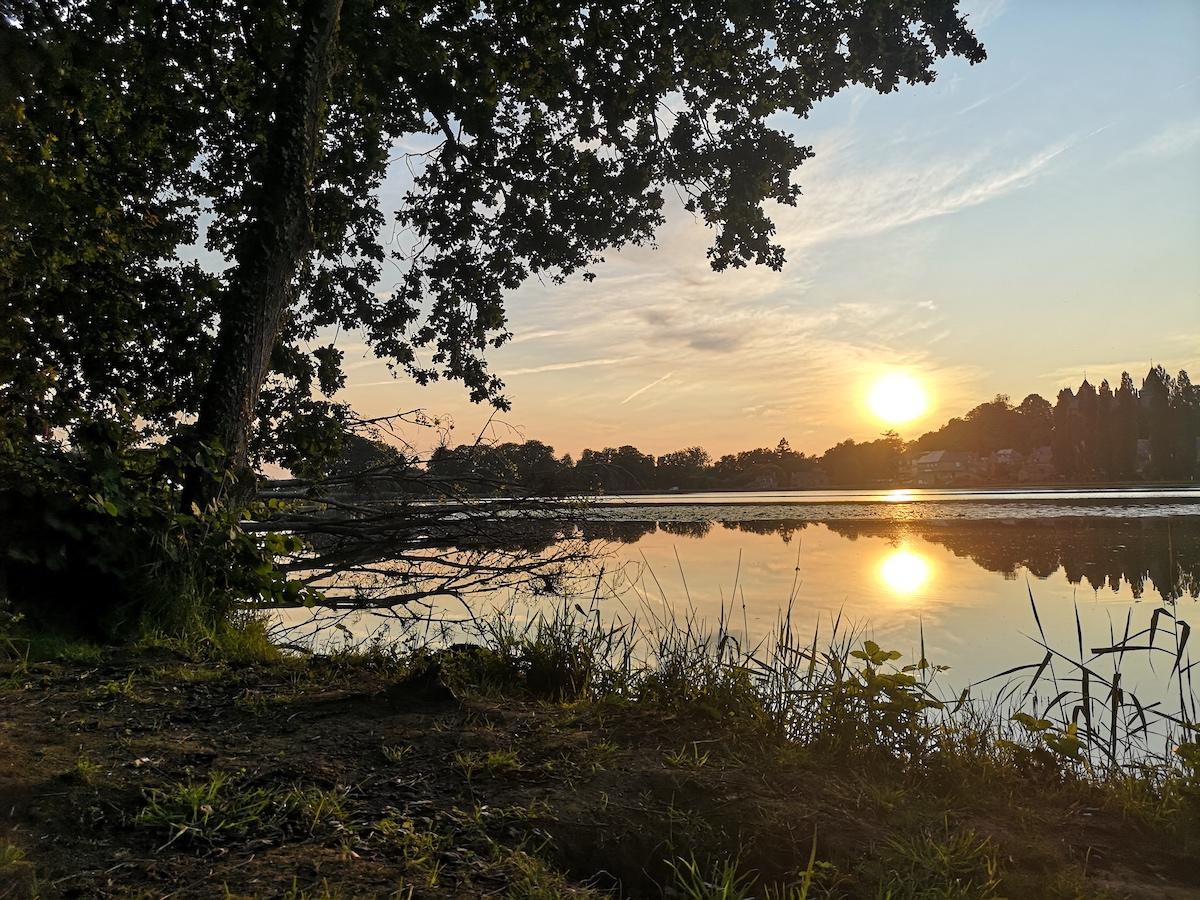 Coucher soleil lac Bretagne1